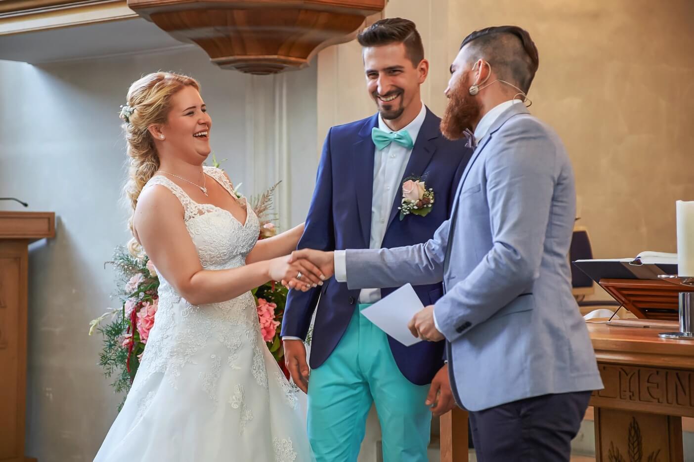 Hochzeits-pastor