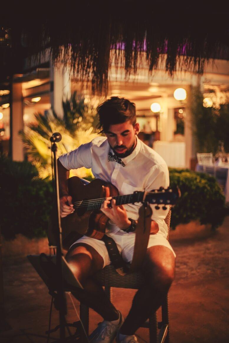 Gitarist Joni